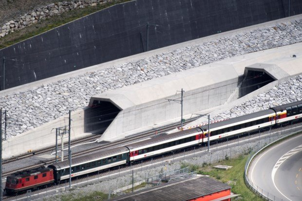 Dünyanın En Uzun Tüneli | Gotthard Tüneli