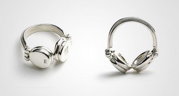 İlginç Yüzük Tasarımları | Kulaklık Şeklinde Yüzük