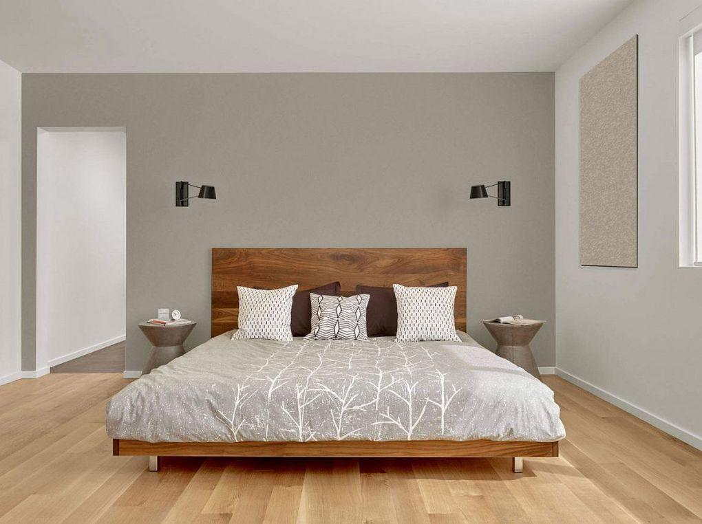 Kaliforniya Evleri | Minimal bed frame in wood for the bedroom in gray 1
