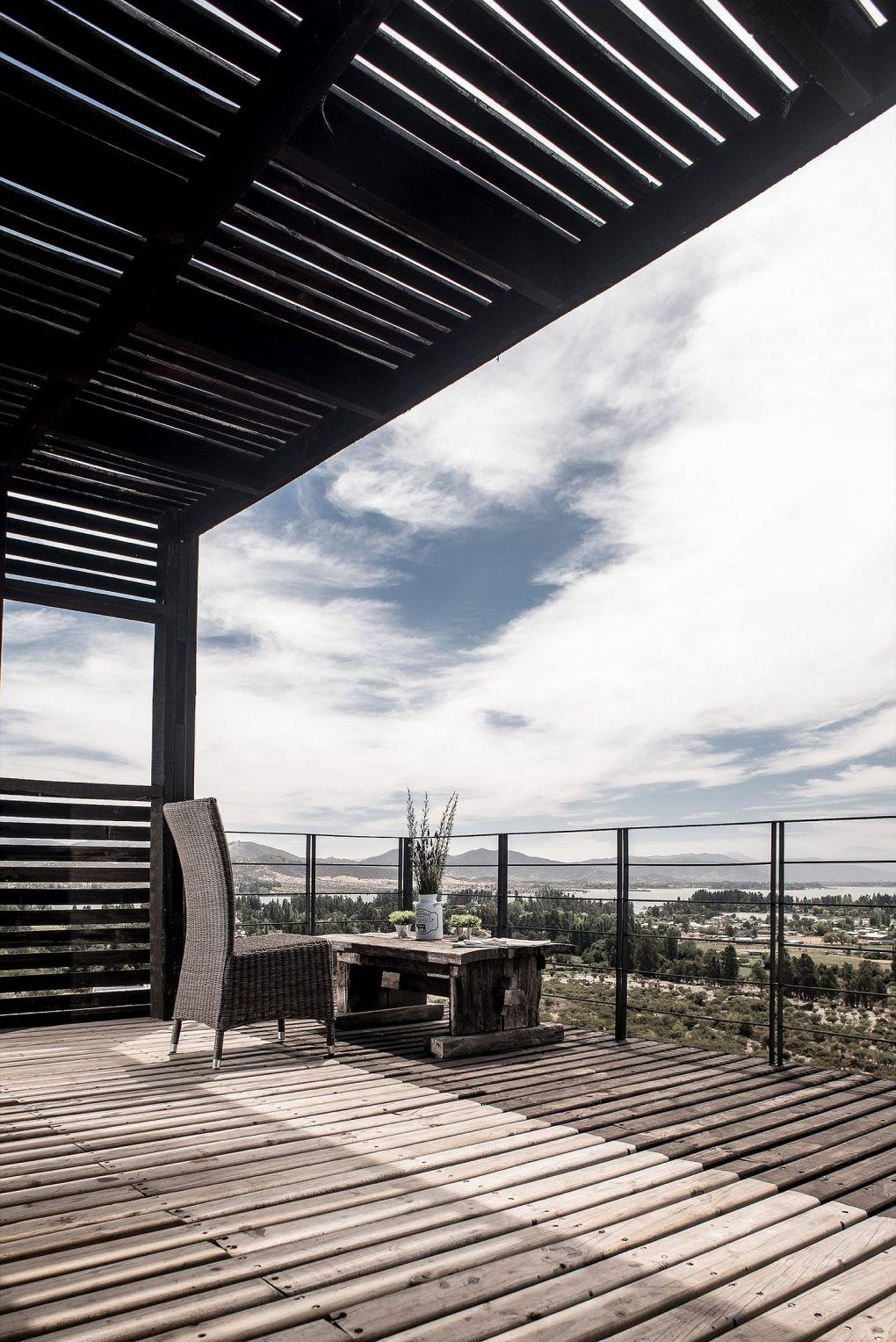 Ahşap Ev | Simple and minimal wooden terrace overlooking the landscape the lake beyond 1
