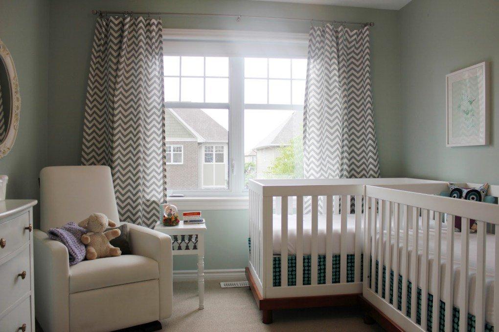 İkiz Bebek Odası | Small and cozy mint colored nursery 1