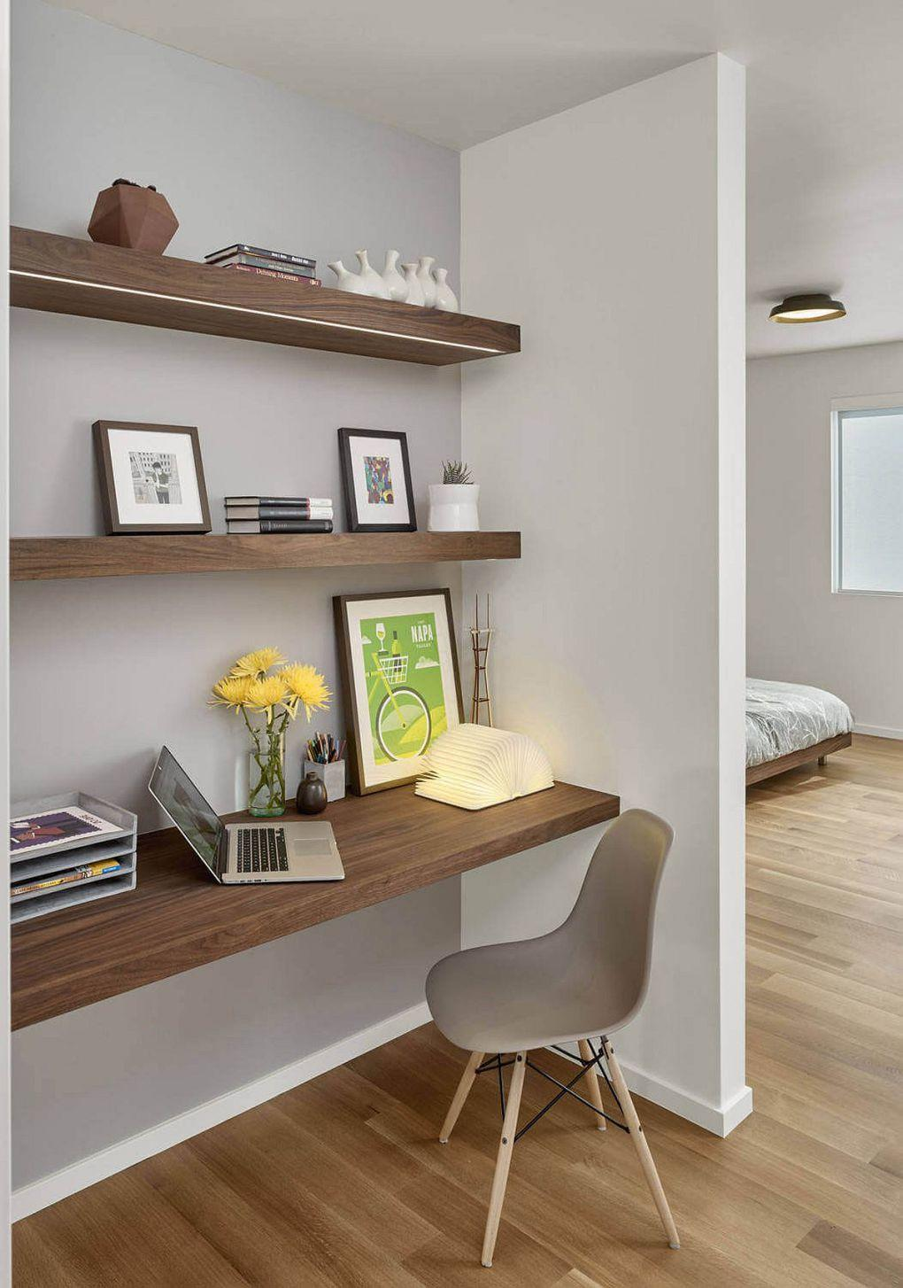 Kaliforniya Evleri | Small workspace in the bedroom corner with floating wooden shelves 1
