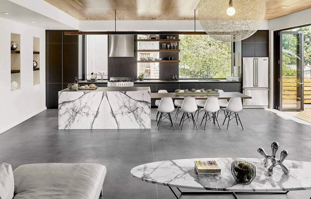 Kaliforniya Evleri | Stunning marble kitchen island with an exteded dining space 1