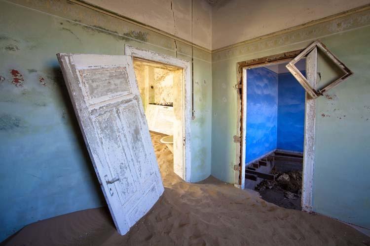 Lee Frost Zaman ve Kum | Kum ve Kırık Kapı