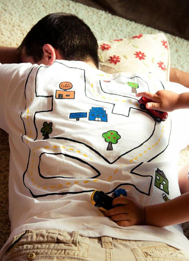 Yaratıcı Tişört Tasarımları | ocuklar İçin Üzerinde Oyun Oynanabilecek Bir Tişört
