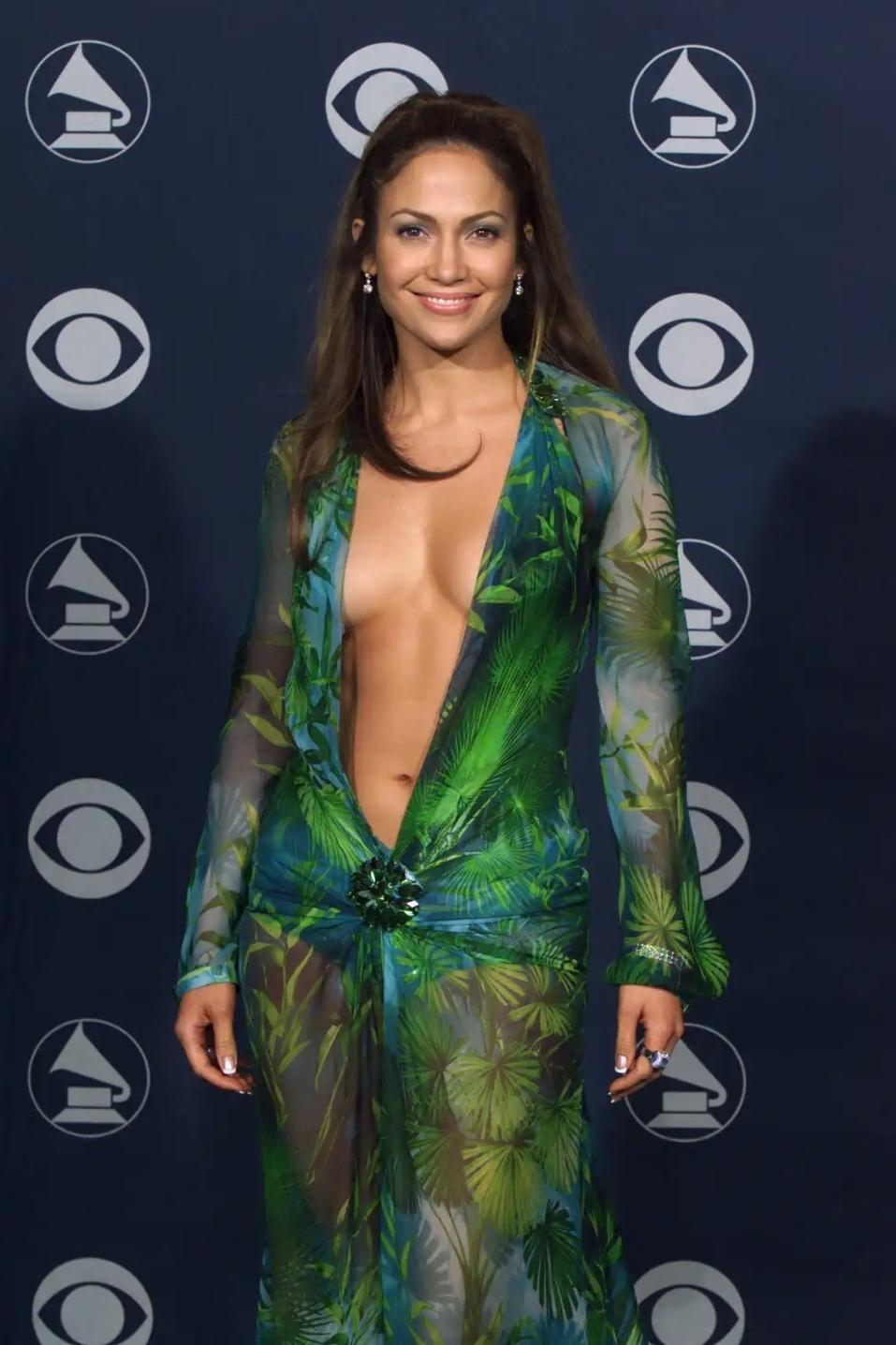 Google Görseller Nasıl Kuruldu? | Jennifer Lopezin Eski Elbisesi