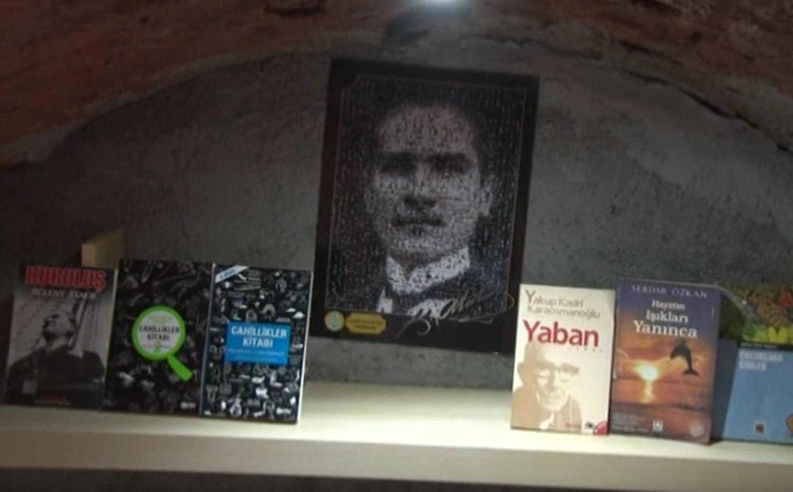 Çöpten Çıkan Kitaplar Kütüphane Kurdurdu | Kütüphanedeki Atatürk köşesi