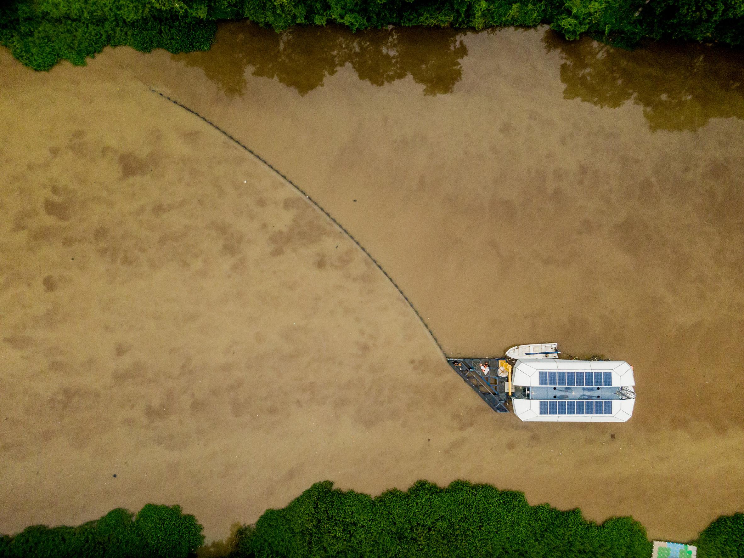 Deniz Temizleme Gemisi | Kirli Nehirleri Temizlemek