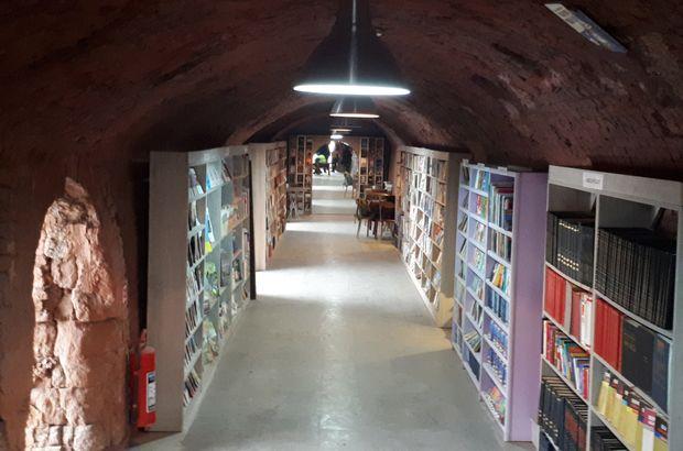 Çöpten Çıkan Kitaplar Kütüphane Kurdurdu | Sığınaktaki Kütüphane