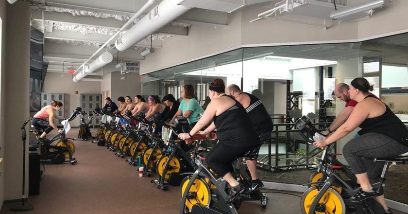 Bu Spor Salonu Elektriğini İnsan Gücünden Üretiyor | Kardiyo Yapan İnsanlar