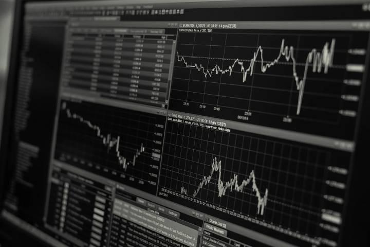 Bitclout'un deneysel ve şimdilik manipülasyona açık bir ekonomik sistemi var.
